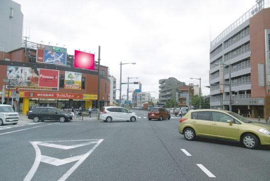 千葉県柏市・ 国道6号線柏高島屋ステーション駐車場前