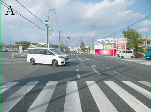 栃木県小山市・ 県道265号線神鳥谷ファミリーマート交差点