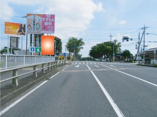 千葉県成田市・郷部交差点手前下段