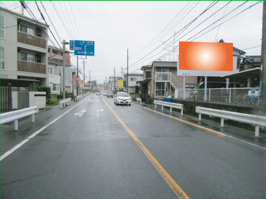 浦和区・産業道路上木崎4丁目交差点手前(大宮方面)